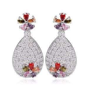 Jewelry - 🆕 Swarovski Crystals The Dorcas Earrings S22